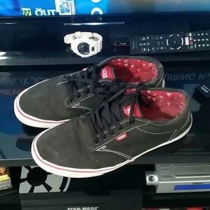 Vans black red trim